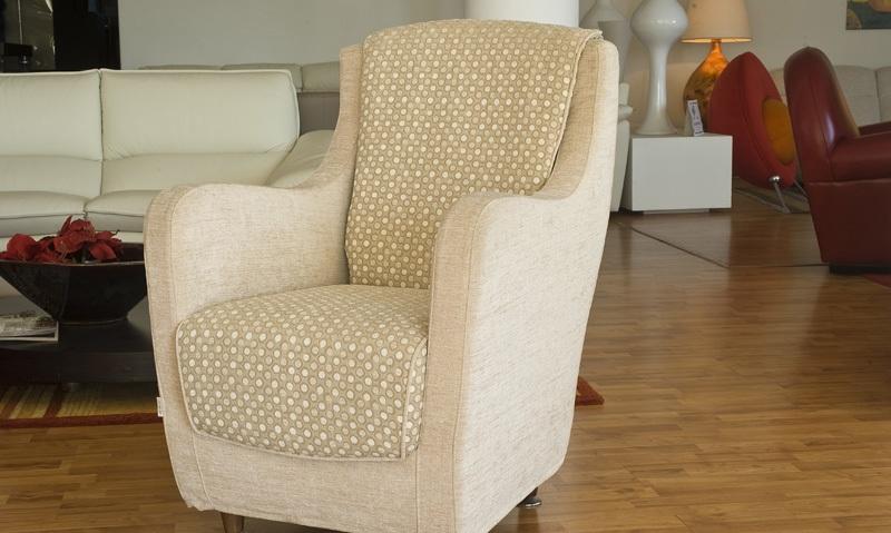Leforme vendita divani e poltrone perignano pisa for Poltrone moderne